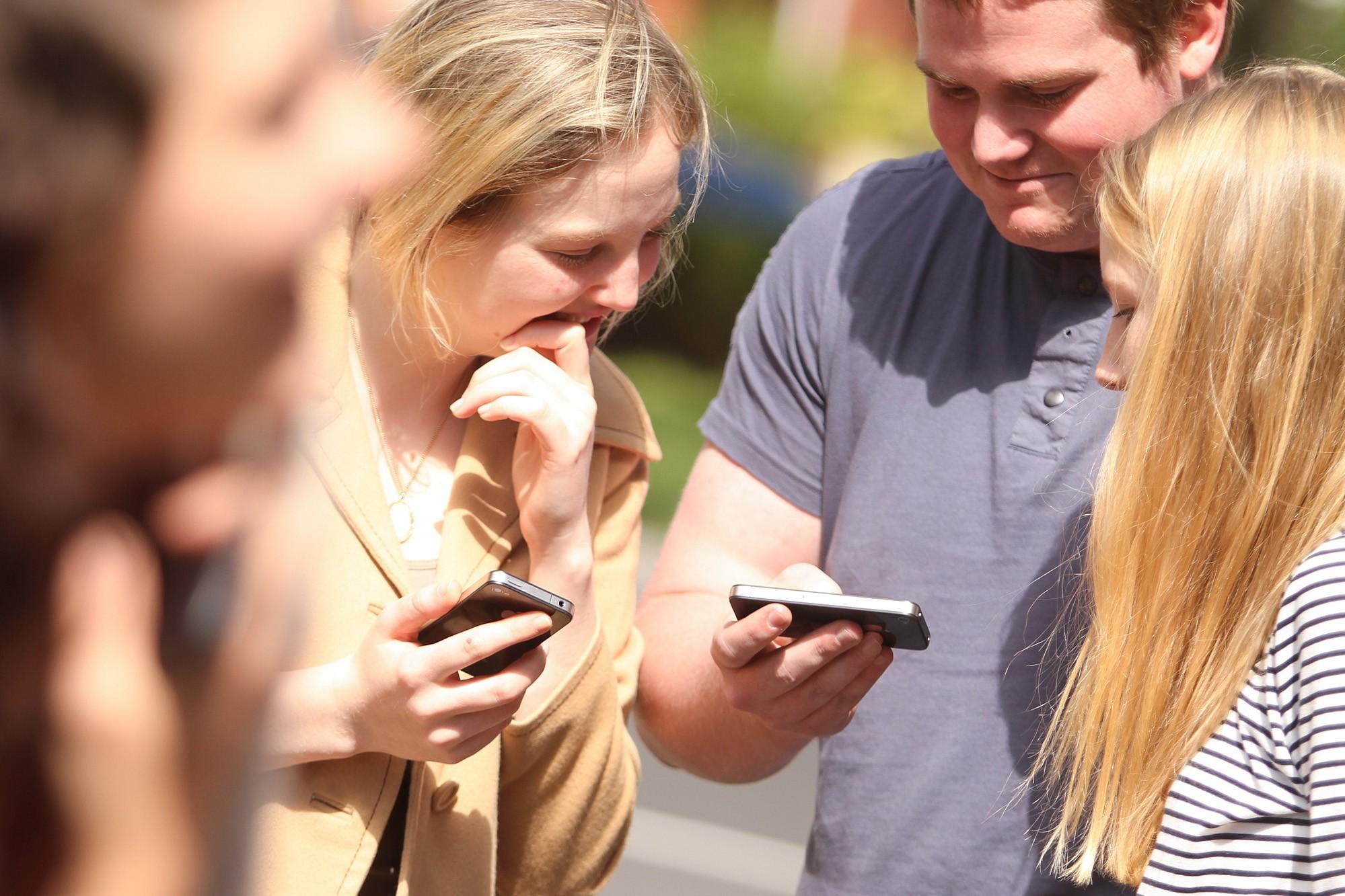 online social media teen suicide