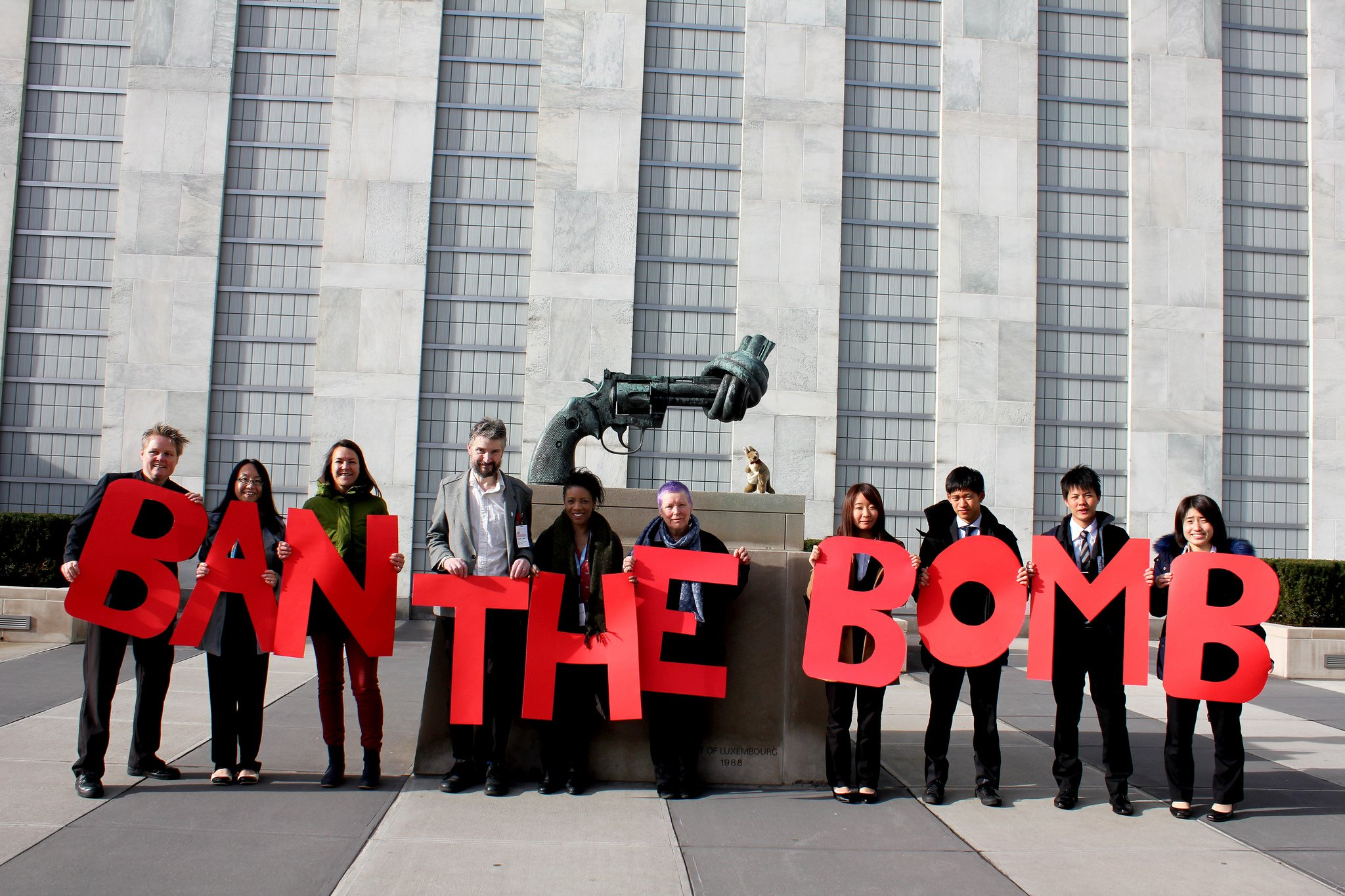A call to action for health professionals to work towards a nuclear weapons ban