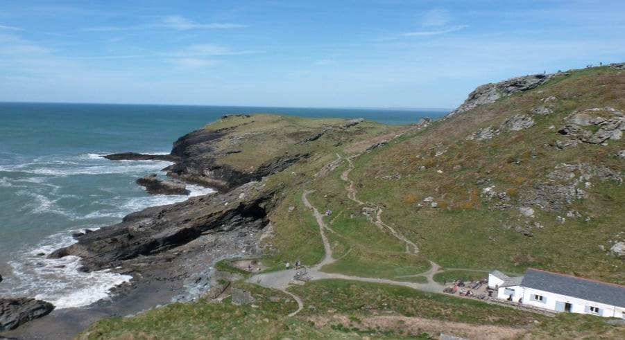 Take a walk in Cornwall: enjoy the stunning scenery of Doc Martin et al