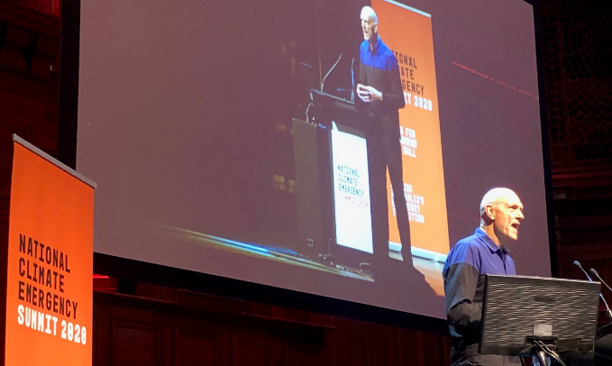 Peter Garrett calls for Australia to go onto a 'war' footing on climate change